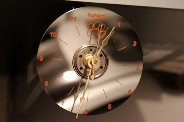 cu-clock-orange-paint-pen