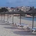 Ses Salines incorpora 10 nuevas hamacas y sombrillas a la playa de la Colònia