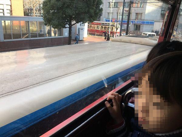 元町ロンドンバス車窓