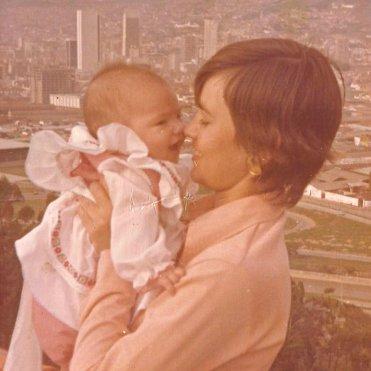 Ximena y su mami, Gloria.