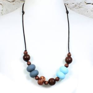 GILLY COPPER BLUE 2 Copy - Gilly dark wood and silicone teething nursing necklace Copper blue