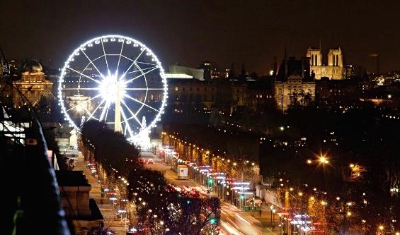 The Champs Elysée at Christmas.  Thank you Paris Info!