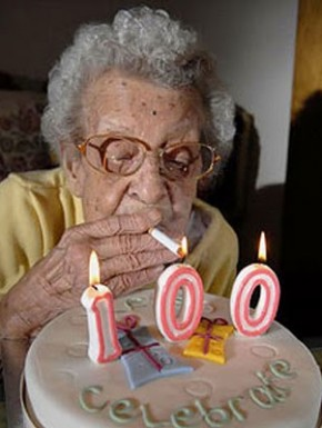 34743 tell 100 year old woman stop smoking 290x385 Nanna