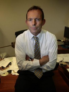 tony abbott 290x385 Sundays news in under 2 minutes.