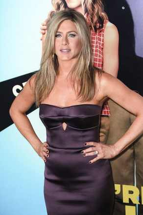Jen Aniston BLOG: After 16 pregnancies, cant we just leave her alone?