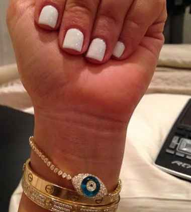 white nails 6 nail trends for people who cant paint like Picasso.