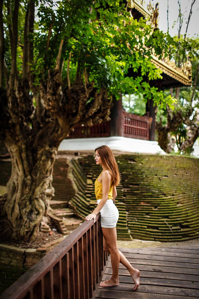 girl_white_skirt_bridge_chiang_mai