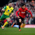 hi-res-459582597-shinji-kagawa-of-manchester-united-is-chased-by-robert_crop_north