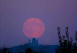 луна красная