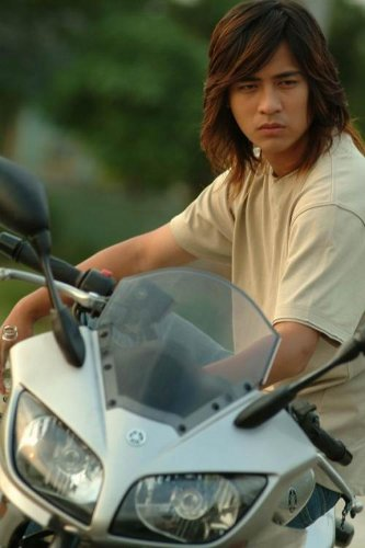 Vic Chou as Ling in Mars
