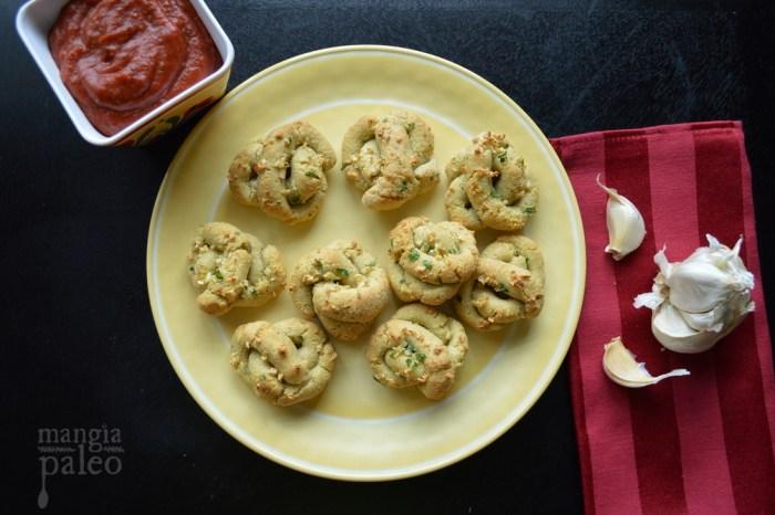 mangia-paleo-garlic-knots-recipe-italian-bread