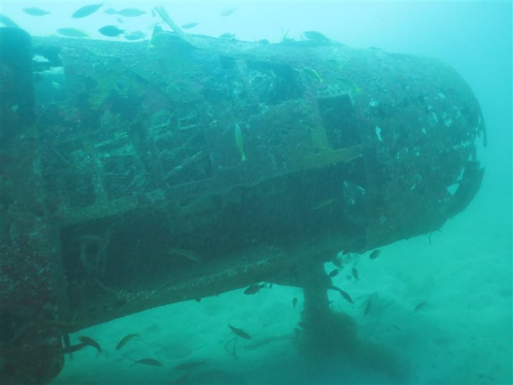 subic bay wreck diving