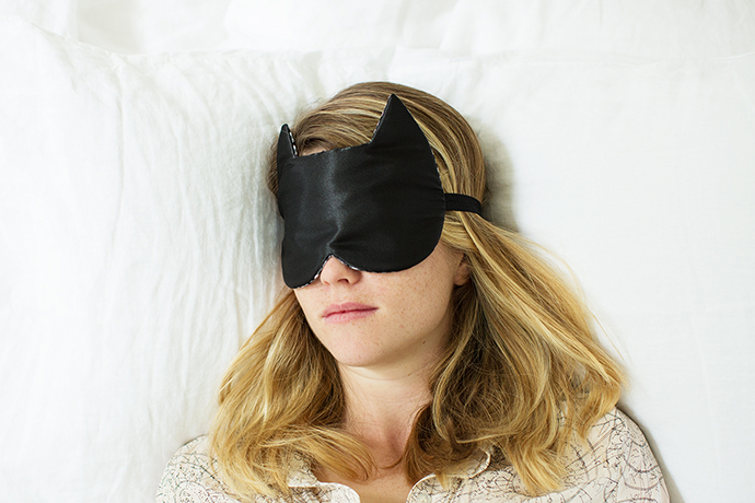 Acupuncture can help you get a good night's sleep | More on Mannaparis.com (photo via mothermag.com)