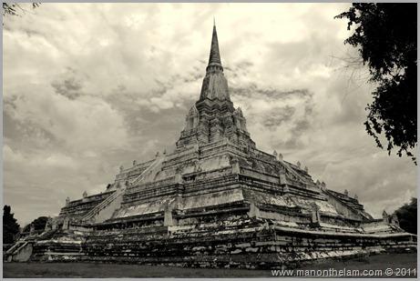 Wat Phu Khao Thong, Ayuttaya, Thailand