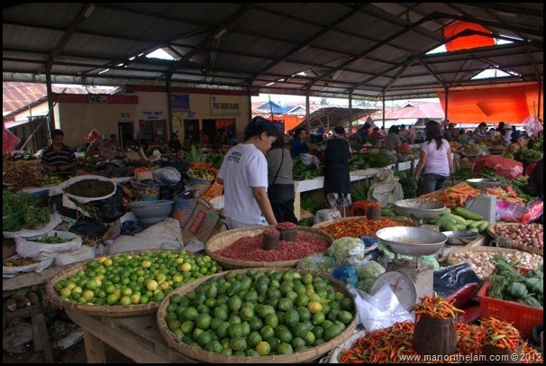 Tomohon Traditional Market, Tomohon, North Sulawesi, Indonesia 2