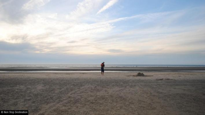 the-beach-de-panne-belgium-1068x600