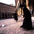 Padres em Bologna, Itália