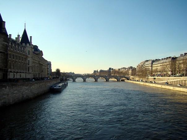 Rio Sena, Paris, França