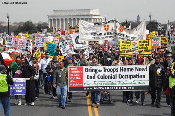 Manifestação pacifista, Washington, Foto Bill Hackwell