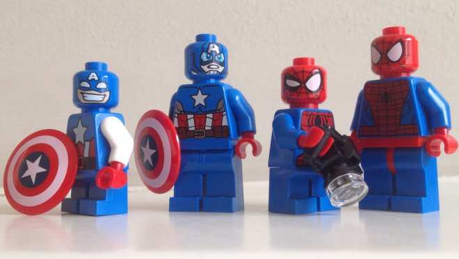Might Micro minifigures compared with their standard minifigure counterparts.