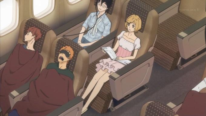 飛行機に乗る兵藤と賀寿と花岡雫と真子