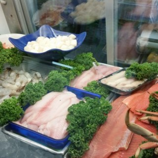 Plenty of weekend goodies in the Seafood case!