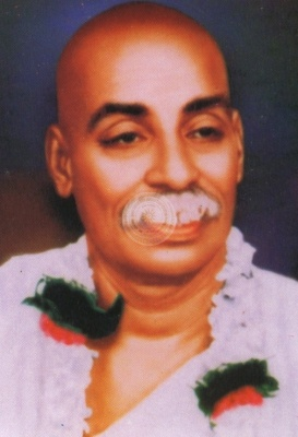 essay on rashtrasant tukdoji maharaj Saint tukdoji maharaj was one of the founder vice presidents of vishwa hindu  parishad he worked on many fronts for national cause.