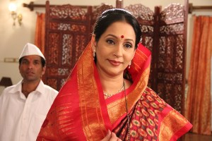 Actress Ashwini Bhave in Aajcha Divas Majha
