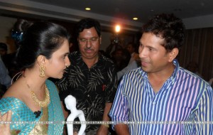 Amruta Subhash With Sachin Tendulkar