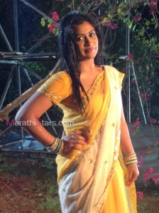 Ruchita Jadhav in Movie Bhootacha honeymoon