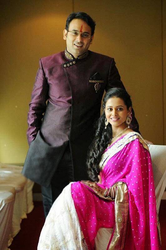 Deepti Shrikant Engagement Photos