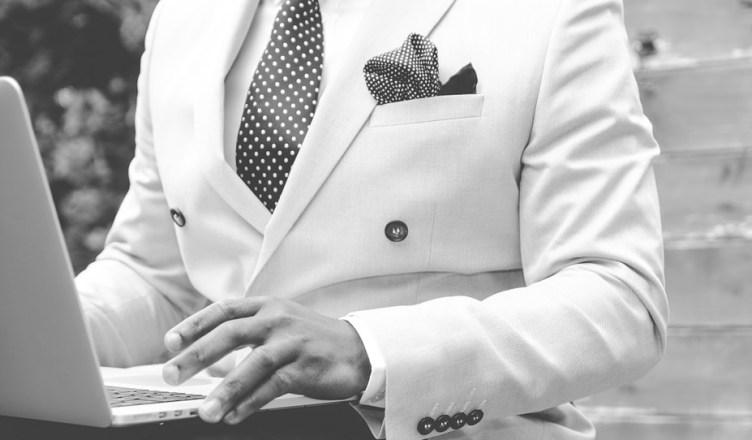 suit-869380_960_720