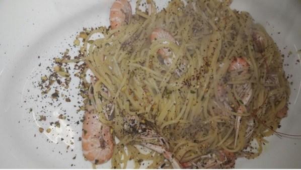 spaghetto scampo e pistacchio