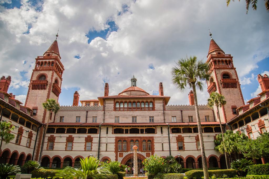 Ponce de León Hall