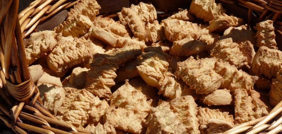 Aínda que gusto máis dos melindres e dos amendoados, o produto exclusivo de Melide é o rico, e hai que recoñecer que nun cesto teñen unha pinta magnífica