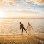Mariage Réunion Ma Régisseuse wedding planner cérémonie laïque plage lancer de fleurs