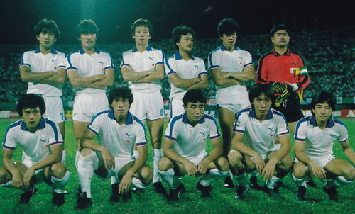 Japan-83-84-PUMA-home-kit-white-white-white-line-up