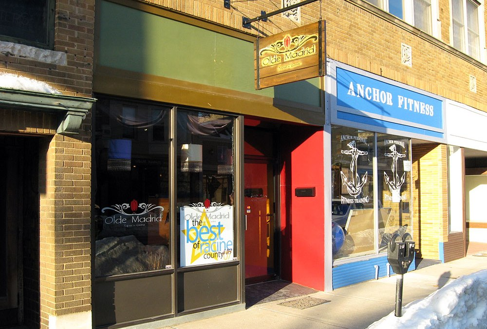 Olde Madrid: Racine, WI restaurant offers tapas, paella