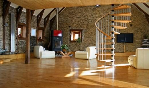 wood and laminate flooring market1.jpg