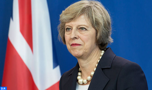 GB: Mme Theresa May va former un nouveau gouvernement