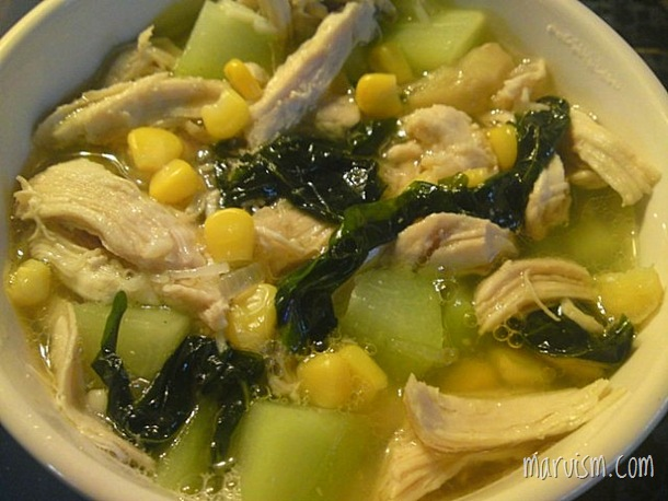 Tinolang Manok na may Mais