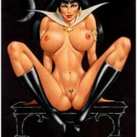Not that Vampirella's outfit covers her body much but without it she looks fantastic!