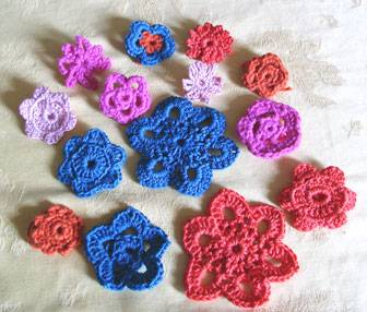 backtackcrochetflowers.jpg