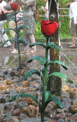 petersburgflowerfountain.jpg