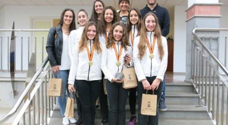 La alcaldesa de Santa Lucía recibe a las campeonas de España de Gimnasia Rítmica