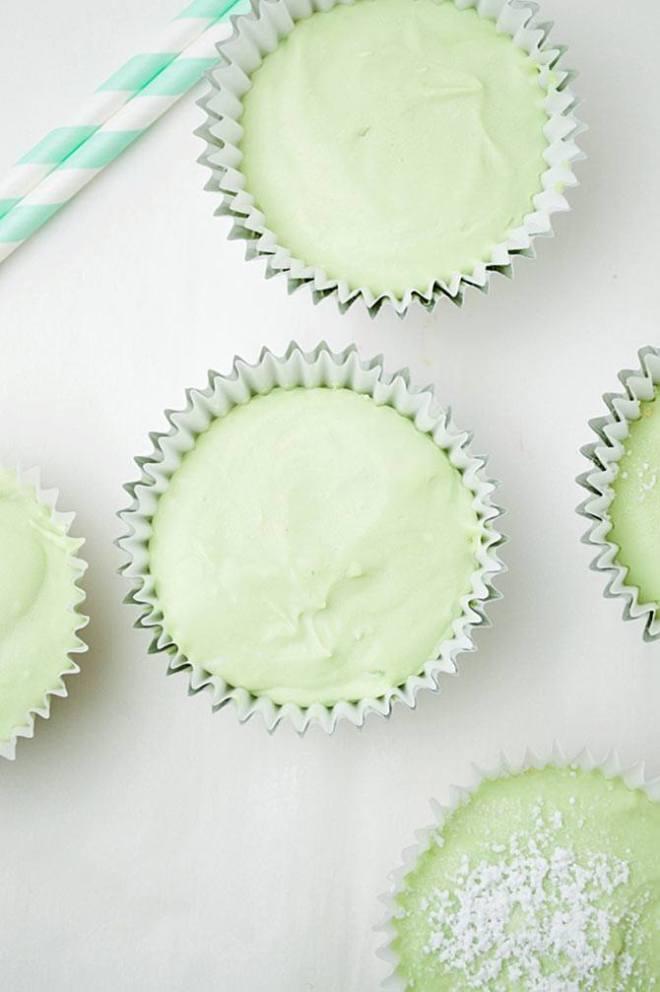 Mini green tea cheesecakes