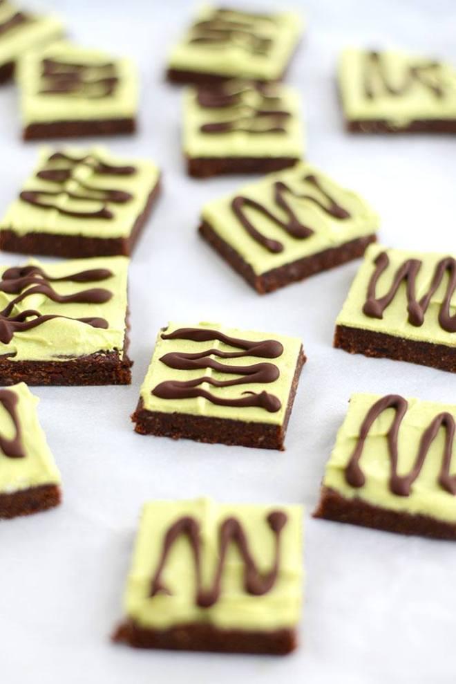 Matcha raw brownies