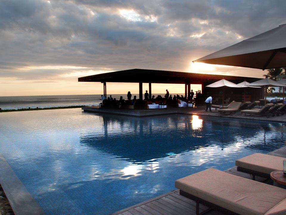 ALILA在水明漾市區最新推出❤ 海灘夕陽美景 + 逛街方便 (新) ALILA Seminyak時尚精品飯店