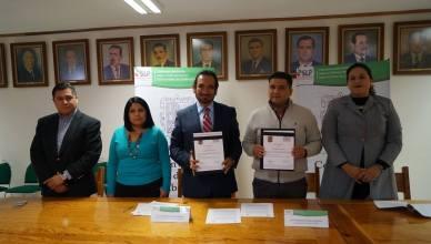 FUNCIONARIOS Y PERSONAL DE CEFIM FIRMAN CONVENIO DE COLABORACION