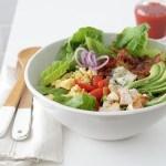 Cobb Salad עם רוטב מפתיע!